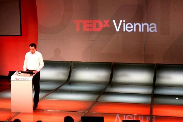 Albin Kurti, folës në TEDxVienna