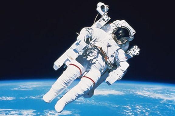 """Pse astronautët mbajnë """"Pelena""""?"""