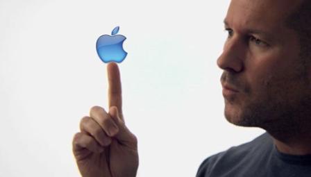 Sir Jonathan Ive preferon të qëndrojë te Apple