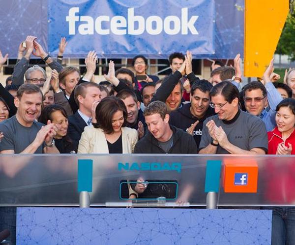 Me daljen publike, Facebook kalon 100 miliardë dollarë