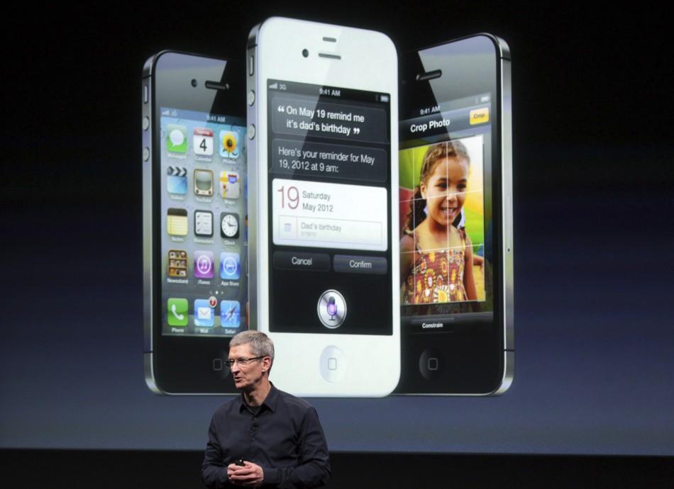 Tim Cook flet për Iphone, Siri dhe bashkëpunimin me Facebook