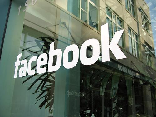 Facebook paguan hakerët më shumë se 300.000$ për të zbuluar defektet