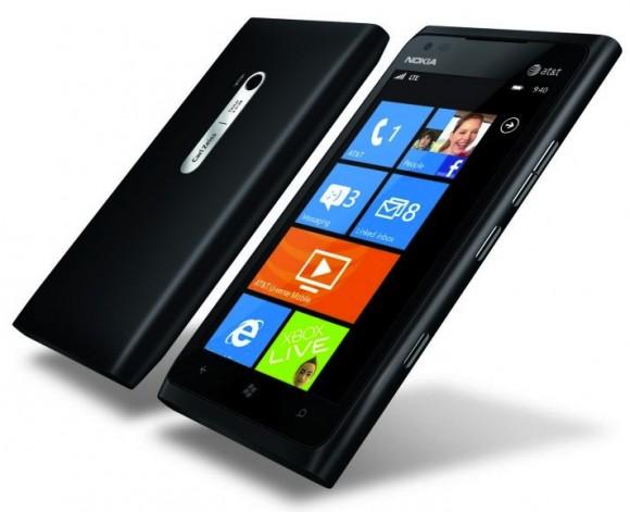 Nokia zbret çmimet e Lumia 900