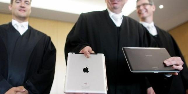 """Gjykatësi në kontestin e gjigantëve: Tabletët e Samsung nuk janë """"cool si iPad"""""""