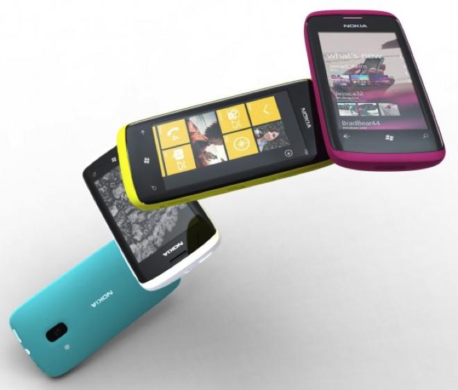 CEO i Nokia-s: Do të qëndrojmë me Windows Phone