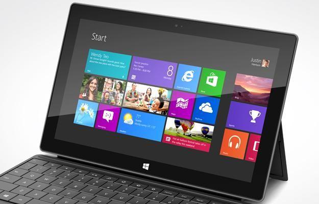 Microsoft dhuratë punonjësve nga një Surface , Windows Phone 8 dhe një PC të ri