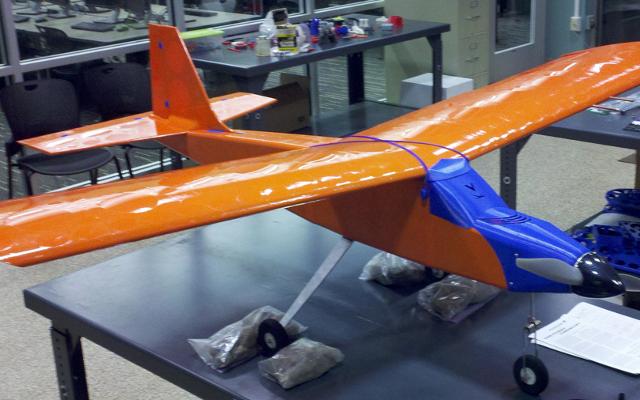 Dy studentë ndërtojnë një aeroplan të printuar me 3D Printer