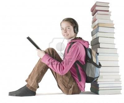 Pronarët adoleshentë të e-lexuesve ende shkojnë nëpër biblioteka