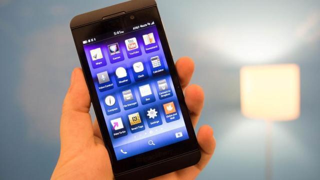 Krahasimi i specifikimeve të BlackBerry Z10 dhe telefonave më të mirë Android
