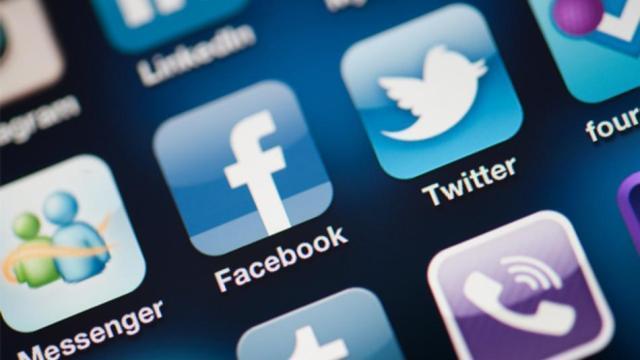 Telefononi miqtë e Facebook-ut pa pagesë përmes Messenger