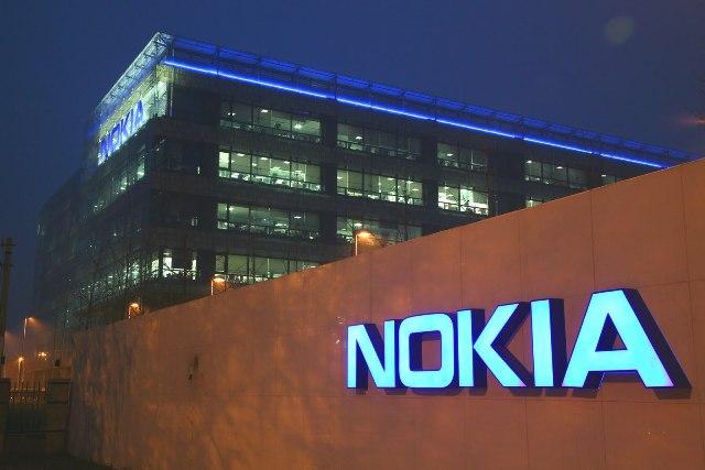 Nokia arrin fitime prej 585 milion dollar në tremujorin e katërt të 2012-s
