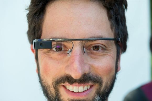 Google vazhdon ende të bëjë ndryshime në karakteristikat e Project Glass