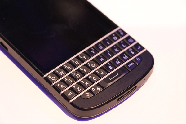 BlackBerry Q10: Specifikimet zyrtare