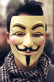 Hakeri i Anonymous shumë i ri për të shkuar në burg