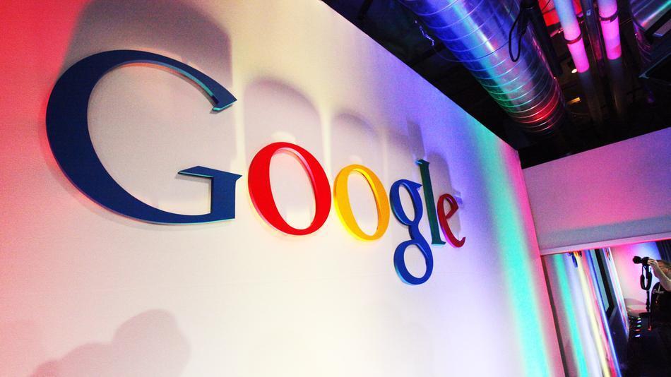 Google: Zhvilluesit jo njoftime për përditësime të aplikacioneve jashtë Google Play Store