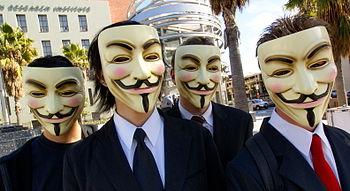 Anonymous bën thirrje për errësim të internetit gjatë të hënës