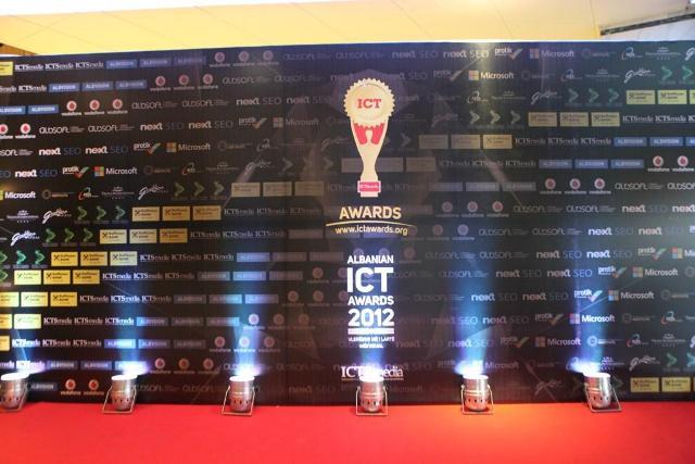 Mbyllet me sukses Albanian ICT Awards 2012 (Video)