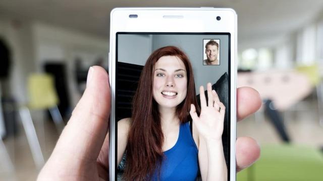 Përdoruesit shpenzojnë 2 miliardë minuta në ditë për të komunikuar në Skype