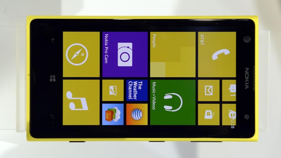 """Përditësime për Windows Phone 8, vonohet lançimi i """"Blue"""" deri në 2014-n"""
