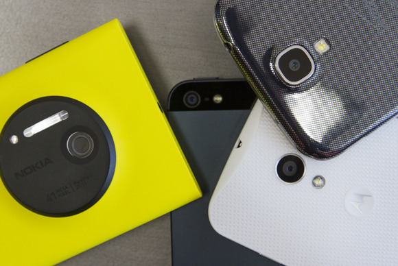 Fotot më të bukura: katër smartfonët më të përfolur përballë njëri-tjetrit