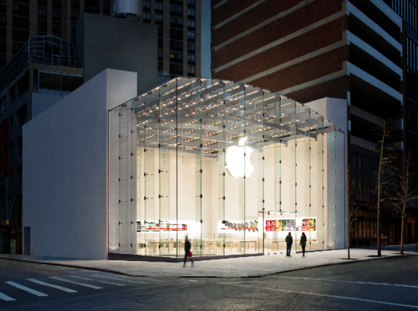 Tashmë Apple paguan konsumatorët nëse kthejnë mbrapsht iPhone-ët e vjetër