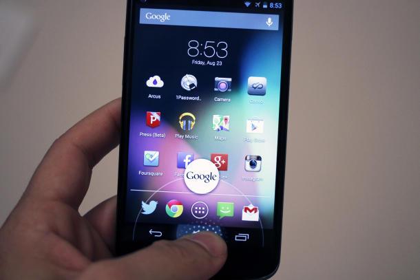 Google ul çmimin e Nexus 4 me 100 dollarë