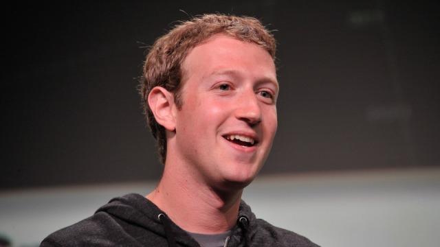"""Facebook ka një """"librari"""" me 250 miliardë fotografi"""