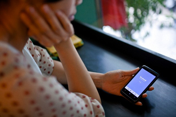 Vietnam decree restricts social media posts