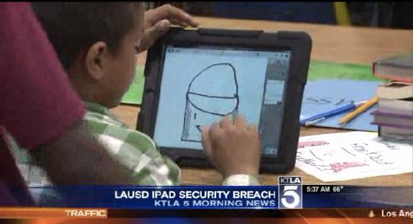 Shkollat e Los Anxhelosit iu japin fëmijëve iPad, por ata i hakojnë