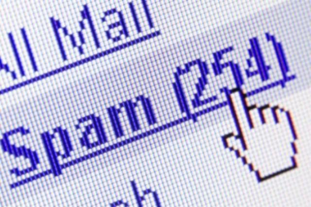 Ndikimi i tipit të personalitetit në klikimin e e-maileve të rreme (spam)