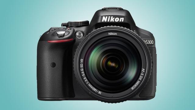 Nikon ofron kamerën e parë DSLR me WiFi dhe GPS