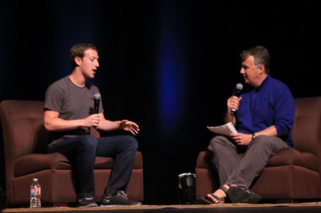 Mark Zuckerberg flet mbi fillimet e Facebook-ut