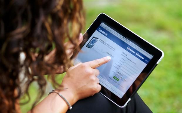 """Adoleshentët ecin vetëm 5 minuta në ditë """"për shkak të teknologjisë"""""""