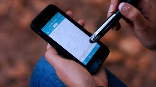 Livscribe 3 Smartpen, stilolapsi i mençur që lidhet me iOS 7 përgjatë Blutetooth-it
