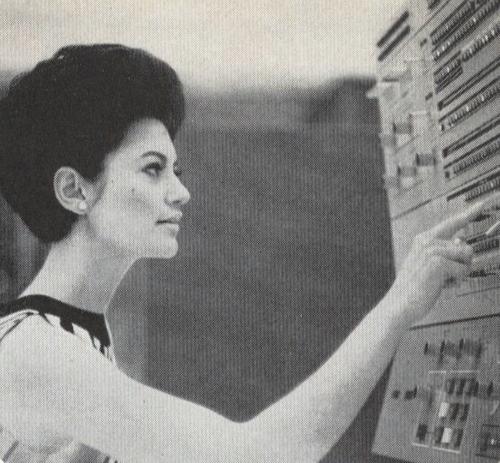 A e dini pse programimi është konsideruar më parë punë për femra