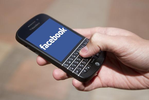 Facebook detyron disa përdorues të ndryshojnë fjalëkalimin për shkak të vjedhjes në Adobe