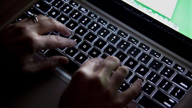 Nga një mashtrim online mund të preken 10 milionë britanikë