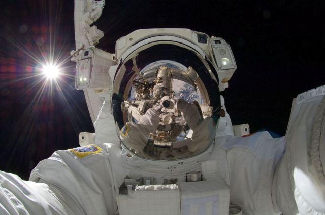 """Numri i fotove në 2014-ën do të arrijë në 1 trilion falë përhapjes së """"selfie"""""""