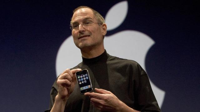 Pasi Apple zbuloi iPhone-in në 2007, Google iu desh të rifillonte nga e para për Android-in