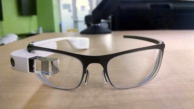 Menaxheri i Google postoi fotografi të syzeve Glass, por në shpejtësi i largoi ato