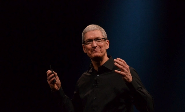 Tim Cook: iPhone 5S është më i popullarizuar dhe më unik se sa 5C