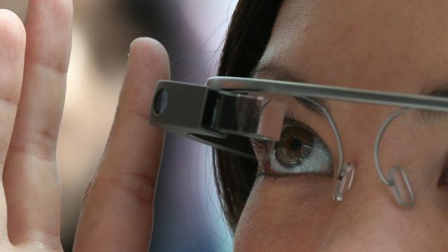 Google Glass shiten brenda ditës në SHBA