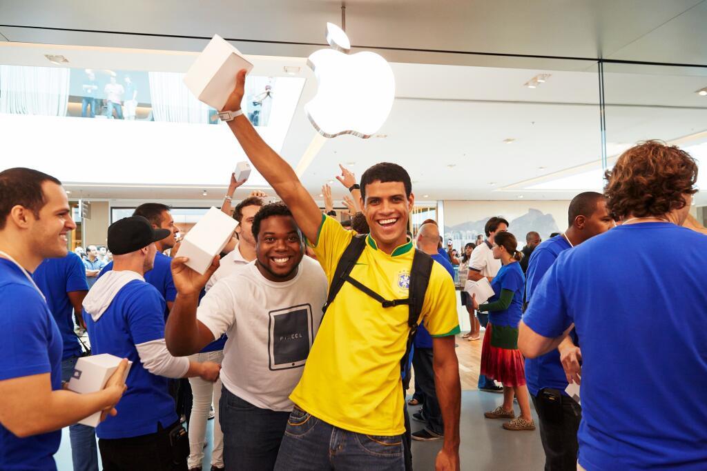 Hapet dyqani i parë i Apple në Brazil, një iPhone 5S kushton 1174 $