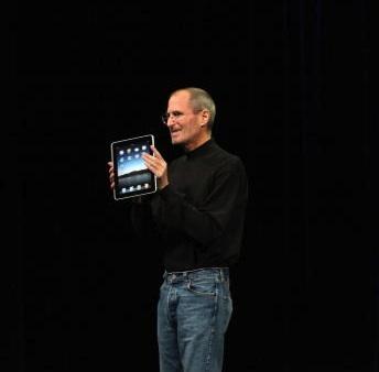Steve_Jobs_ipad_2