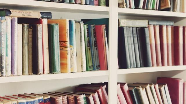 (Fotogaleri) Njihuni me 10 uebfaqe që ofrojnë audio-libra