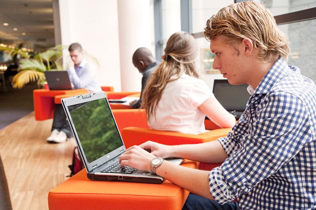 EdX zgjeron gamën e institucioneve që ofrojnë kurse pa pagesë online