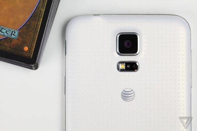 Samsung konfirmon një dështim të kamerës në një numër të kufizuar të Galaxy S5
