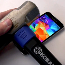 Watch-the-Galaxy-S5-battery-explode-like-a-firecracker-during-a-routine-hammer-knife-test