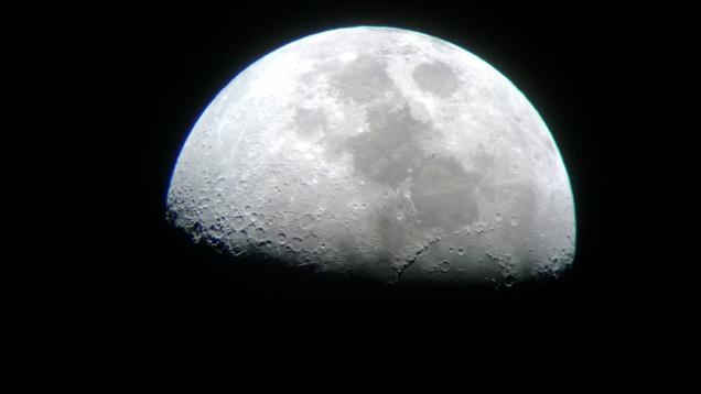 Ja si të realizoni fotografi astronomike me një smartfon dhe teleskop