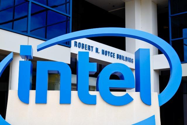 Intel po humb miliarda dollarë në përpjekjet për të hyrë në botën mobile